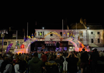Crowds gather in Grantham for Bridge. Credit Andy Moore